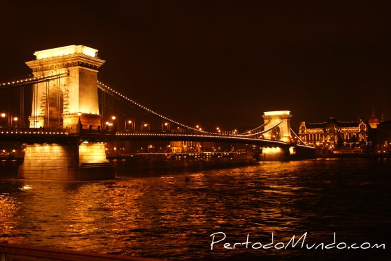 Puente Budapest Marca Agua