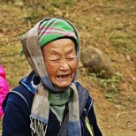 Anciana de Sapa, Vietnam. Etnia Hmong Flor