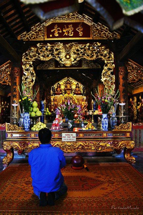 Rezando Pagoda
