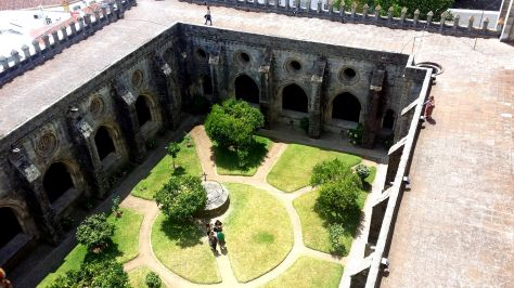Claustro desde los tejados de la catedral