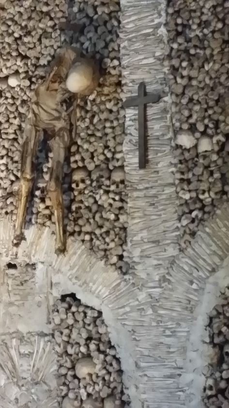 Huesos de la Capella dosOssos 1
